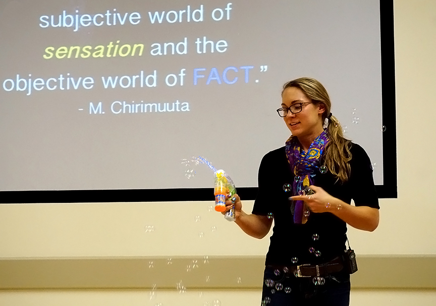 Savannah Dearden displayed color through bubbles. Credit: Patricia Marroquin