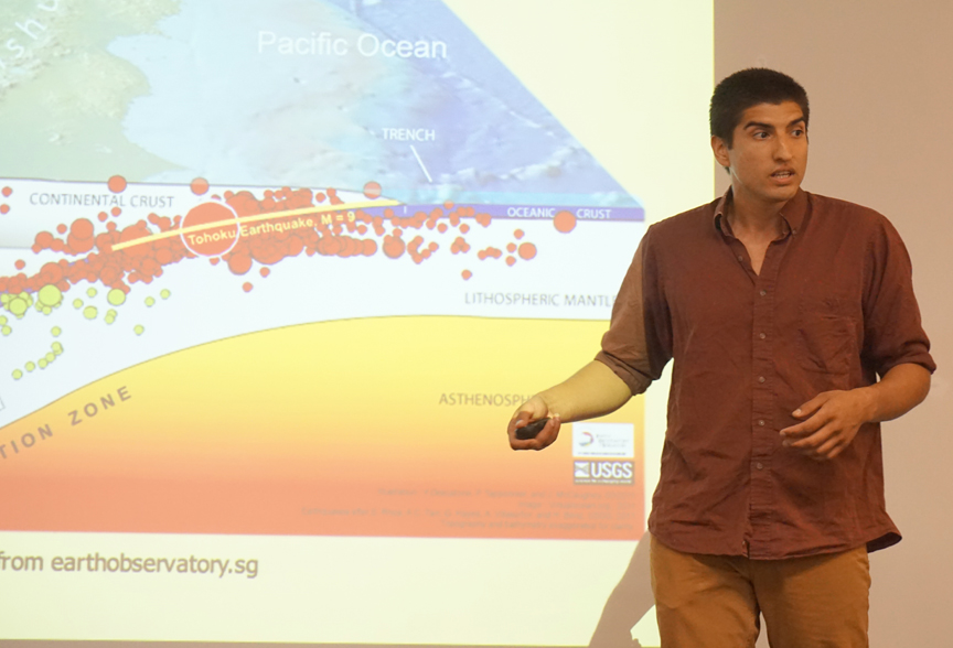 Earth Science grad student Adam Arce spoke about earthquakes. Credit: Patricia Marroquin